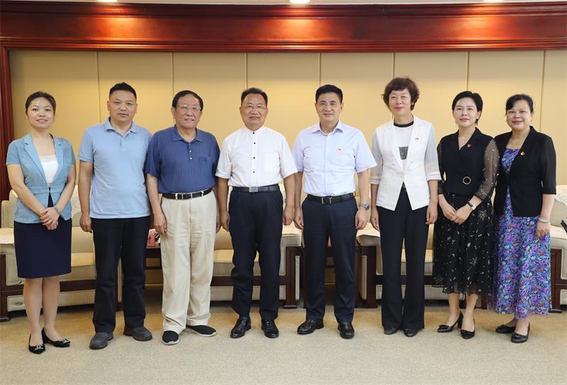 贵港市委书记、市长热情接待科创中国高质量发展服务团